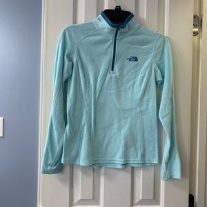 North Face light blue 3/4 zip pull over A007